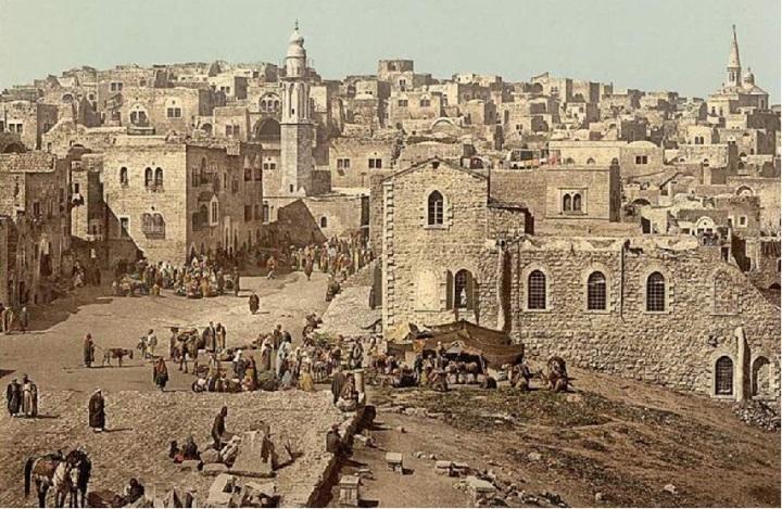 上图:1890年拍摄的伯利恒市场。现藏于美国国会图书馆。