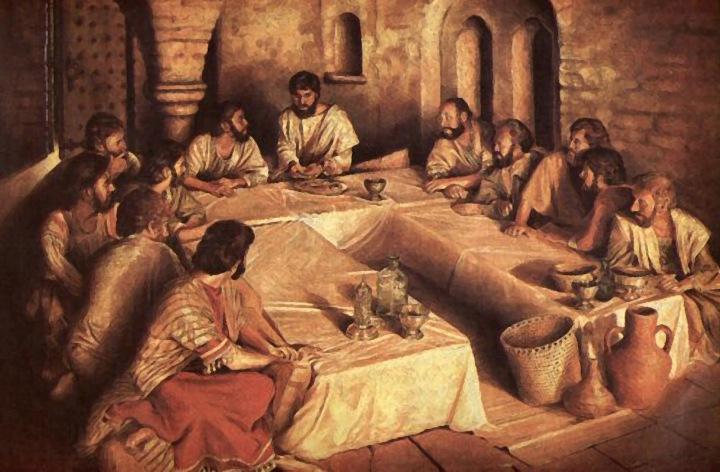 上图:犹太人筵席上使用的三面卧榻(Triclinium)。通常三面卧榻都是用矮桌摆设成U字形。客人靠在他们的左手肘上。最尊贵的位子是在U字体底部卧榻的中间位置。第二与第三位是那些在主客左边(也就是说,躺在他后面的)与右边(也就是说,头部靠在他怀中)的人。然后,似乎是先安排左边的榻(位置的安排跟第一张榻一样),接下来则是第一张榻右边的那一张,依此类推。