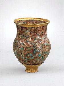 上图:古埃及第十八王朝时期(主前1479-1425年)的饮酒杯,现藏于纽约大都会博物馆。