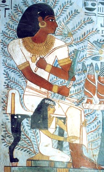 上图:古埃及第十八王朝阿蒙霍特普二世(Amenhotep II,主前1439-1413年)的贵族Sennefer穿戴的西麻衣和金链。