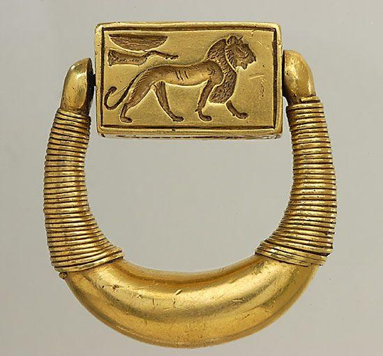 上图:古埃及第十八王朝的末代法老霍朗赫布(Horemheb,主前1306-1292年在位)的「打印的戒指」。