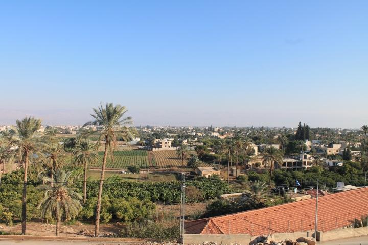 上图:今日耶利哥的平原。以色列人过了约旦河,在这片平原上扎营、行割礼,守了进入应许之地的第一个逾越节。约书亚在这里遇见了耶和华军队的元帅。