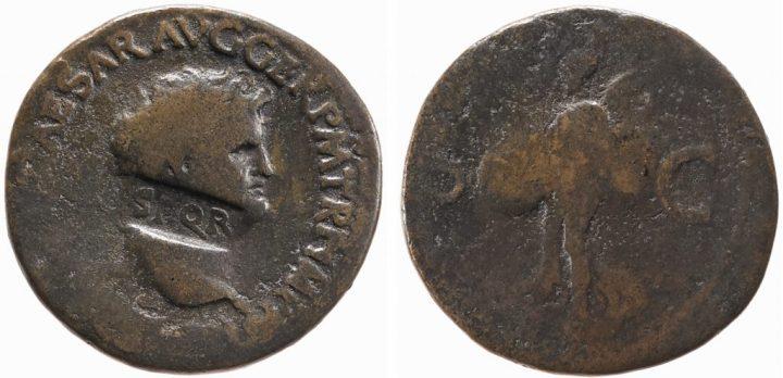 上图:被施以除忆诅咒(Damnatio memoriae)的尼禄硬币。 尼禄的脖子上盖着SPQR(元老院和罗马人民,The Senate and the People of Rome)的字样。