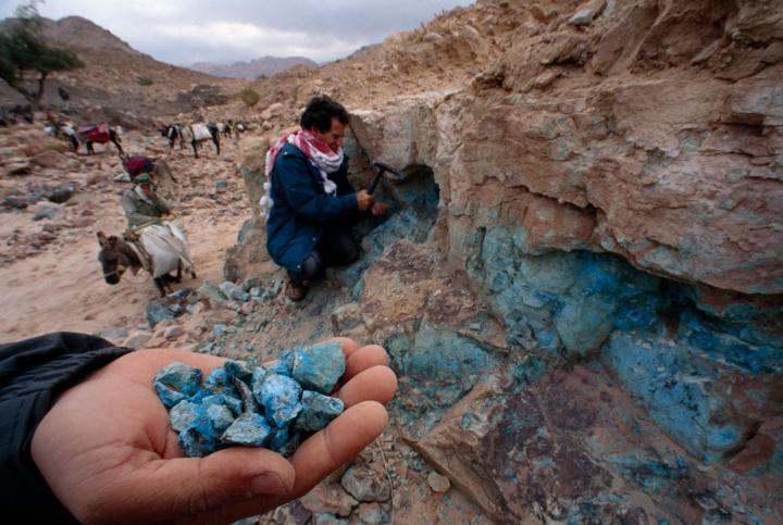 上图:Khirbat en-Nahas的铜矿石。