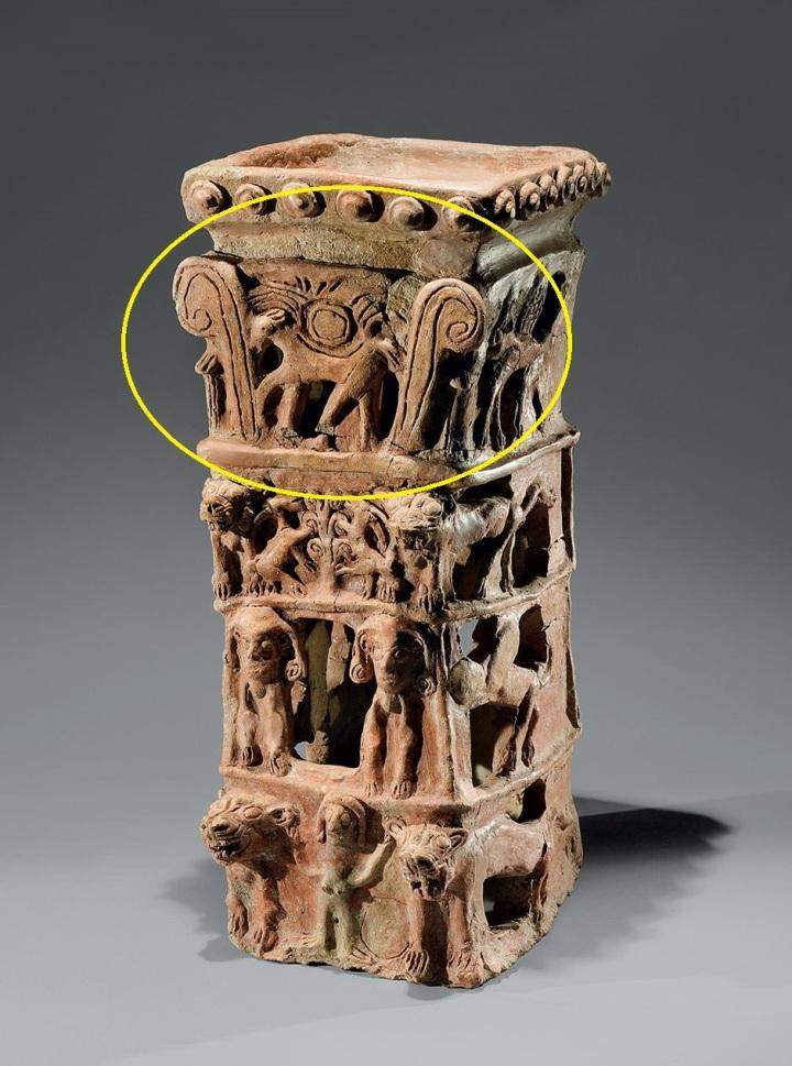 上图:以色列他纳出土主前10世纪祭台(Taanach Cult Stand),现存于耶路撒冷以色列博物馆。祭台的最下层是亚舍拉,左右各有一只狮子;第二层是两只牛犊;第三层是生命树;最上层是一匹背着的带翼日轮的马,可能就是「向日头所献的马」(王下二十三11)。