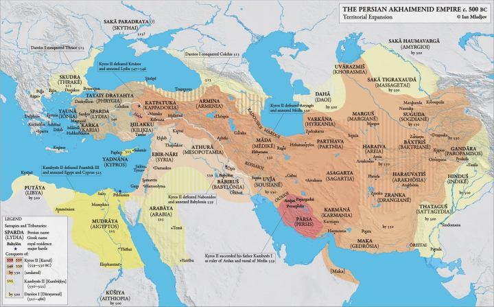 上图:波斯第一帝国的最大疆域。阿契美尼德王朝(Achaemenid Empire,主前550年-前330年),也称波斯第一帝国,是历史上第一个横跨欧亚非三洲的帝国。极盛时期的领土疆域东起印度河平原,西至小亚细亚、欧洲的巴尔干半岛的色雷斯,西南至埃及、利比亚、努比亚和阿比西尼亚。主前480年代大流士一世去世时的波斯帝国,领土面积约为600万平方公里,人口峰值约为1800万。